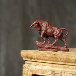 张春明 茶宠雕塑 红牛 健与美 长15cm高13.5cm